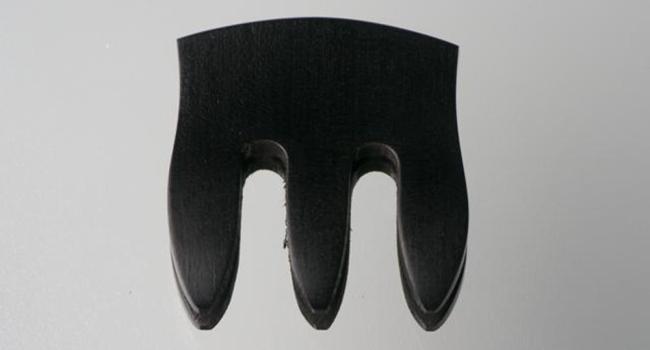 Demper van ebbenhout voor 4-snarige C-bas